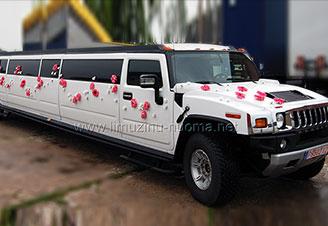 Klaipėdoje baltas Hummer H2 limuzinas