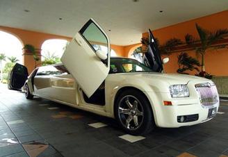 Limuzinas Chrysler 300C nuomai